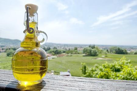 aceite de cocina: Cielo dona una peque�a botella de aceite de oliva italiana