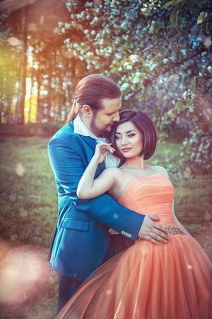 love of life: sposa e sposo in autunno parco Love Life