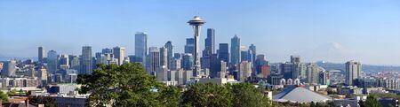 rainier: Seattle skyline panorama, Washington state.