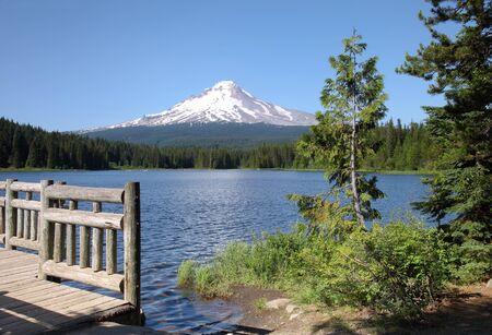 Trillium Lake & Mount Hood, Pacific northwest outdoors. Stock Photo - 10200505