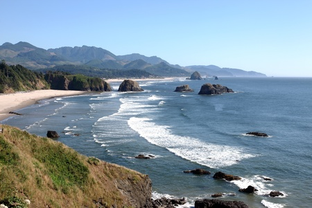 Oregon coast pacific northwest cliffs & beaches.  Imagens