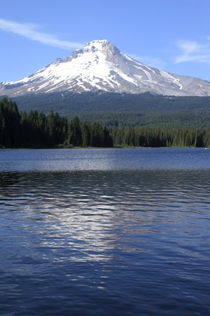 trillium lake: Trillium lake and Mt. Hood wilderness, Oregon. Stock Photo