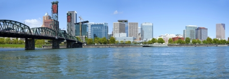 Portland Oregon skyline panorama   the Willamette river