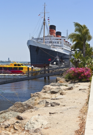 The Queen Mary ship moored in Long Beach California Imagens - 21013115