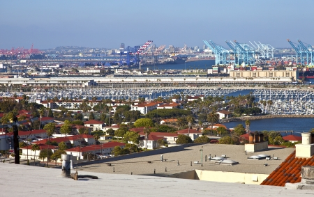 Port of Long Beach California imports and exports trade facility