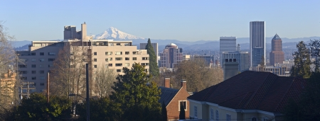 Portland Oregon downtown skyline panorama with Mt  Hood  Imagens