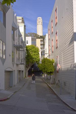coit tower: San Francisco neighborhood alley near Coit tower California.