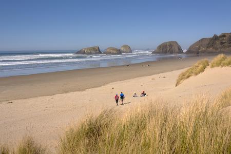 Visiting the beach in Canon Beach Oregon coast. 版權商用圖片