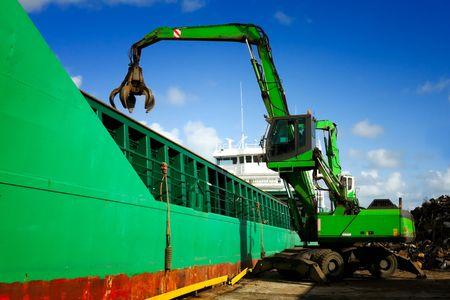 crane grabber loading a recycling metal Stock Photo - 5455001