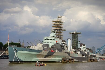 hms: HMS Belfast battleship an Imperial War Museum on the river Thames Stock Photo