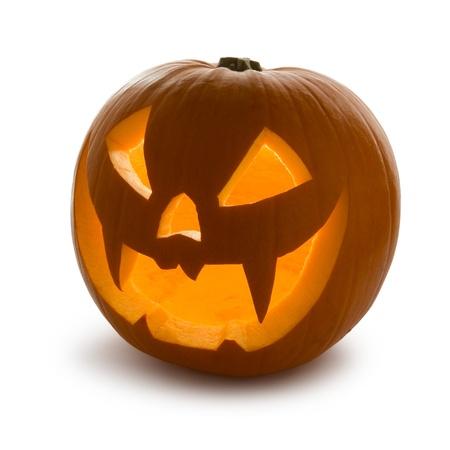 carving pumpkin: Calabaza de Halloween, Scary Jack O'Lantern aislado en blanco
