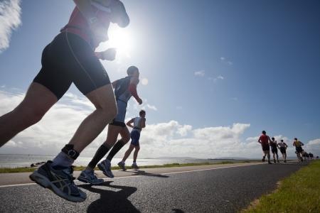 concurrencer: GALWAY - 4 SEPTEMBRE: les athl�tes non identifi�s concurrence � la premi�re �dition du Triathlon Iron Man sur Galway Septembre 4, 2011 in Galway, Irlande Editeur