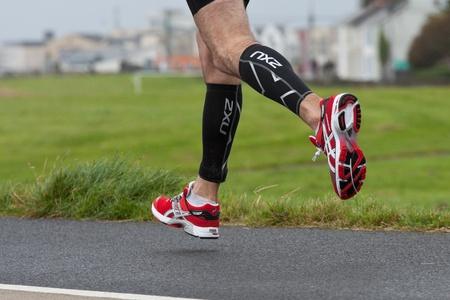 concurrencer: Galway, Irlande - 4 septembre: athl�te non identifi� concurrence � la premi�re �dition du Triathlon Iron Man sur Galway Septembre 4, 2011 in Galway, Irlande