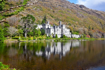 Kylemore Abbey and Castle, Druchruach Mountain, West of Ireland, Connemara Stock Photo
