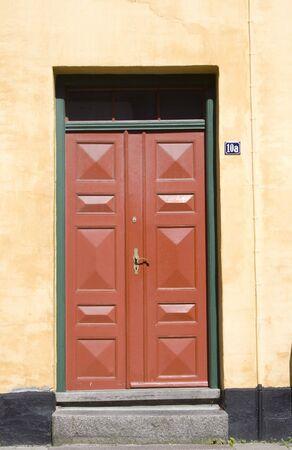 red old door Standard-Bild