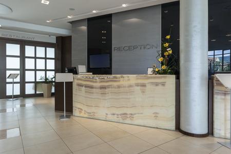 Die Rezeption im Hotel Lizenzfreie Bilder