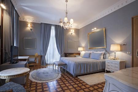 double room: Classic style bedroom interior