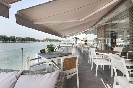 Riverside terrace cafe Foto de archivo