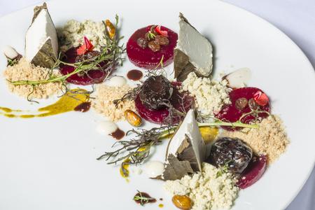 wijnbladeren: Feta kaas in wijnbladeren met gemalen zalm