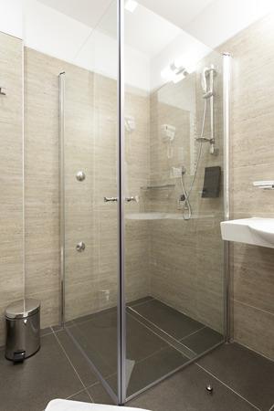 cabine de douche: Cabine de douche moderne