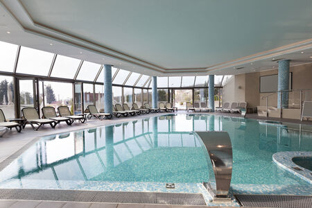 indoors: Indoors pool at spa