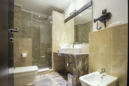 hotel bathroom: Elegant bathroom interior