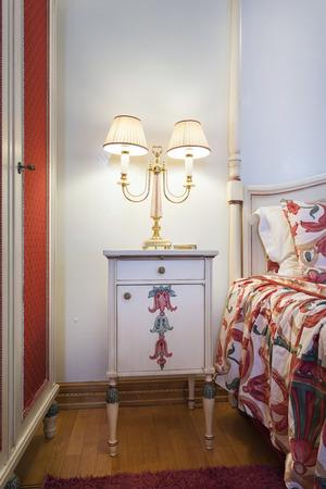 bedside: Elegant bedside lamp