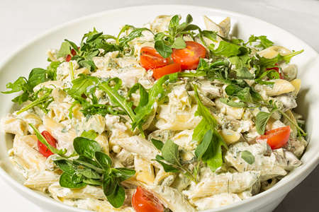 gorgonzola: Pasta in gorgonzola sauce with fresh cherry tomatoes