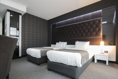 Moderne elegante tweepersoonskamer interieur Stockfoto - 43057517