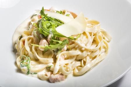 Heerlijke witte saus kip pasta