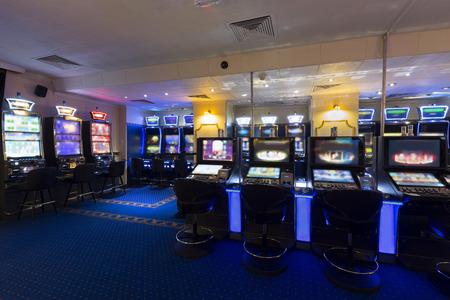 maquinas tragamonedas: Las m�quinas tragamonedas en el casino Foto de archivo