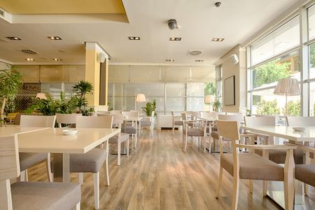아름 다운 밝은 카페의 인테리어 스톡 콘텐츠