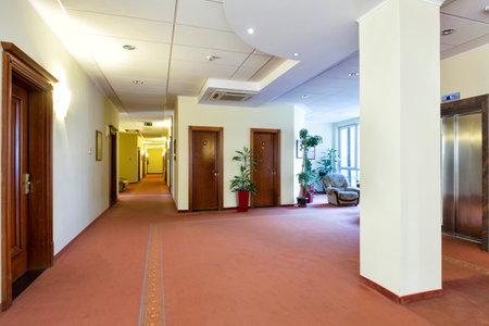 spacious: Interior of a spacious hotel corridor