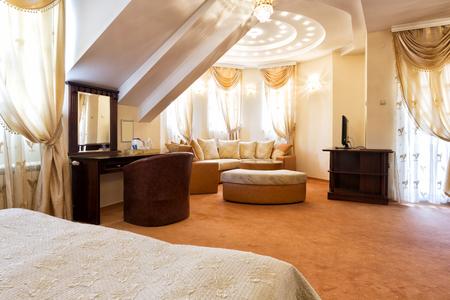 curtain design: Luxury hotel suite interior