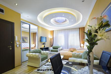Ruime hotel kamer interieur