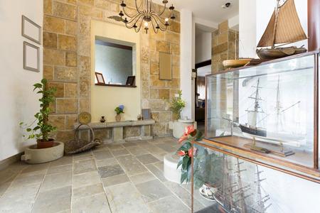 entrance hall: Entrance hall of a luxury villa
