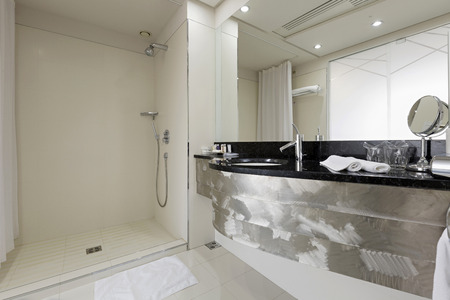 bathroom interior: Modern hotel bathroom interior