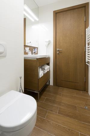 luxury bathroom: Luxury hotel bathroom interior