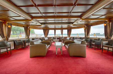 dinner cruise: Interior of a cruise boat