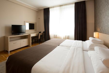 hotel bedroom: Modern elegant hotel bedroom interior
