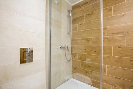 modern bathroom: Modern luxury hotel bathroom interior