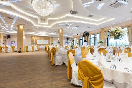 Sala weselna lub inny obiekt funkcji ustawiony na wyśmienitą kuchnię Zdjęcie Seryjne