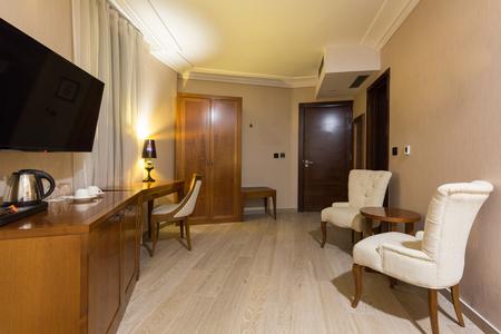 Inneneinrichtung des Hotelzimmers