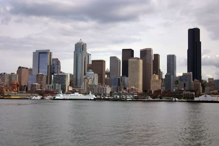 Seattle Skyline with ferry, view from Pudget Sound Imagens