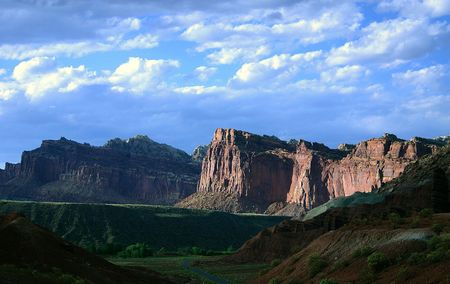 zion: Towering rocks on the road to Zion national park in Utah, USA Stock Photo