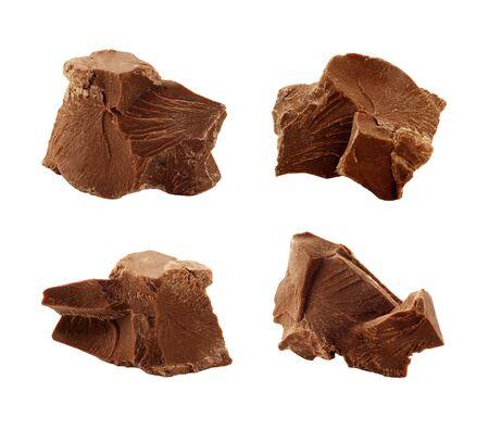 Chocolade gedeelten geïsoleerd op een witte achtergrond