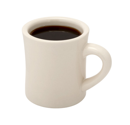 taza cafe: Café en una taza blanca clásica cena. La imagen es un recorte, aislado en un fondo blanco, con un trazado de recorte. Foto de archivo