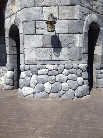 ch�teau m�di�val: Chemin de la porte du ch�teau m�di�val Banque d'images