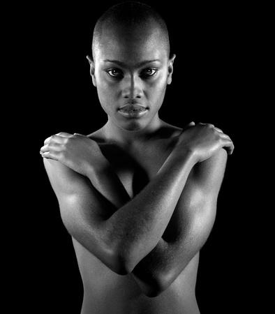 アフロアメリカン: 美しいアフロ アメリカ人女性の黒と白のイメージ