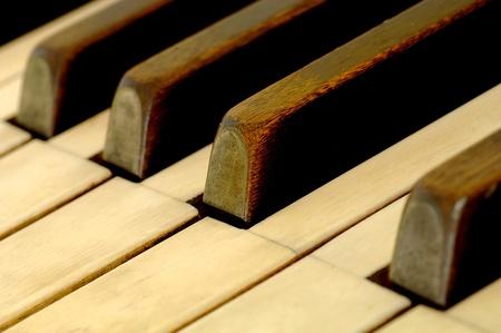 Sleutels van zeer oude piano